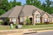 Traditional Style House Plan - 4 Beds 3 Baths 2750 Sq/Ft Plan #63-234 Exterior - Front Elevation