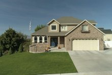 Dream House Plan - Traditional Exterior - Front Elevation Plan #1060-49