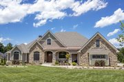 European Style House Plan - 4 Beds 3 Baths 2812 Sq/Ft Plan #929-939 Exterior - Front Elevation