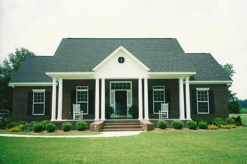 Southern Photo Plan #406-285 - Houseplans.com