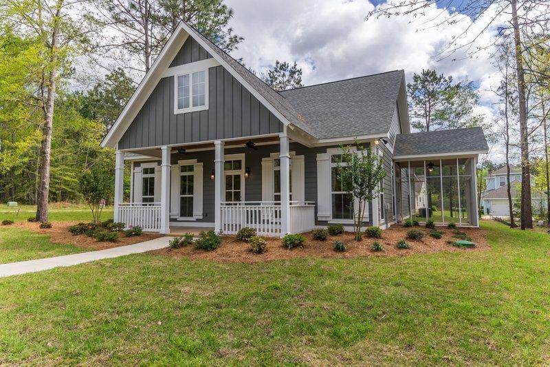 House Plan Design - Craftsman Exterior - Front Elevation Plan #430-174