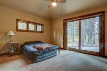 Craftsman Interior - Master Bedroom Plan #892-29