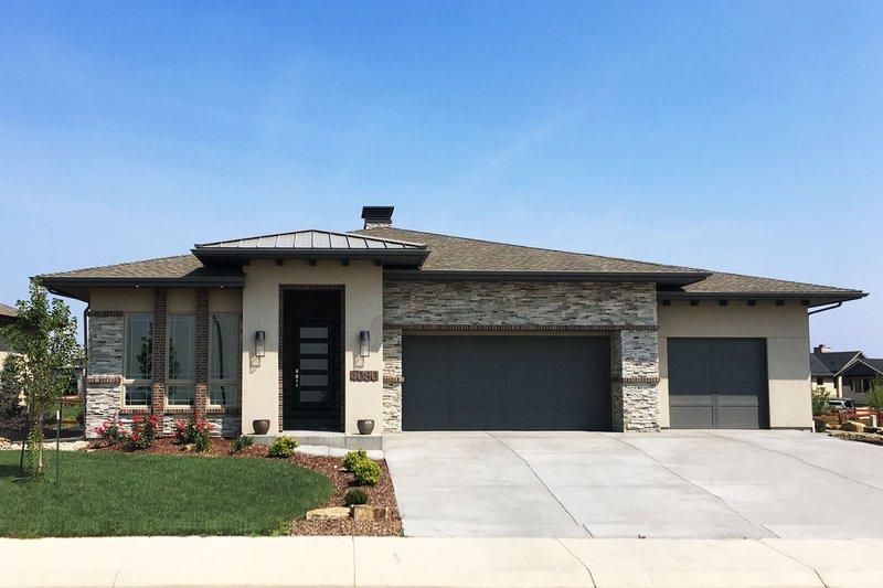 House Plan Design - Ranch Exterior - Front Elevation Plan #1069-5