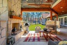 Craftsman Exterior - Outdoor Living Plan #17-2444