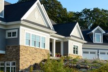 Architectural House Design - Ranch Exterior - Front Elevation Plan #70-1499