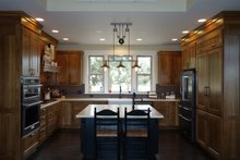 Dream House Plan - Craftsman Interior - Kitchen Plan #124-1005