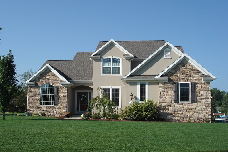 Traditional Style House Plan - 4 Beds 3.5 Baths 2752 Sq/Ft Plan #20-1006