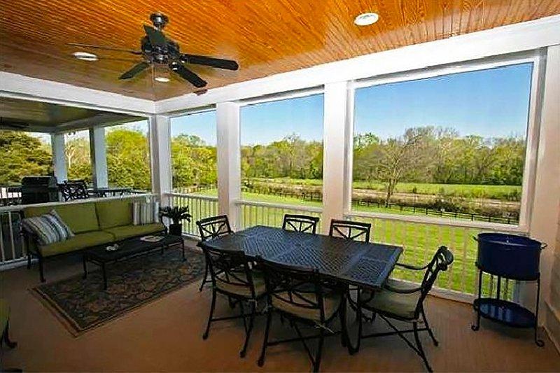 Colonial Exterior - Outdoor Living Plan #137-101 - Houseplans.com