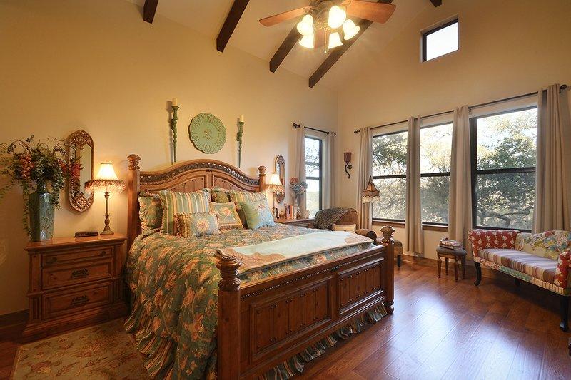 Ranch Interior - Master Bedroom Plan #140-149 - Houseplans.com