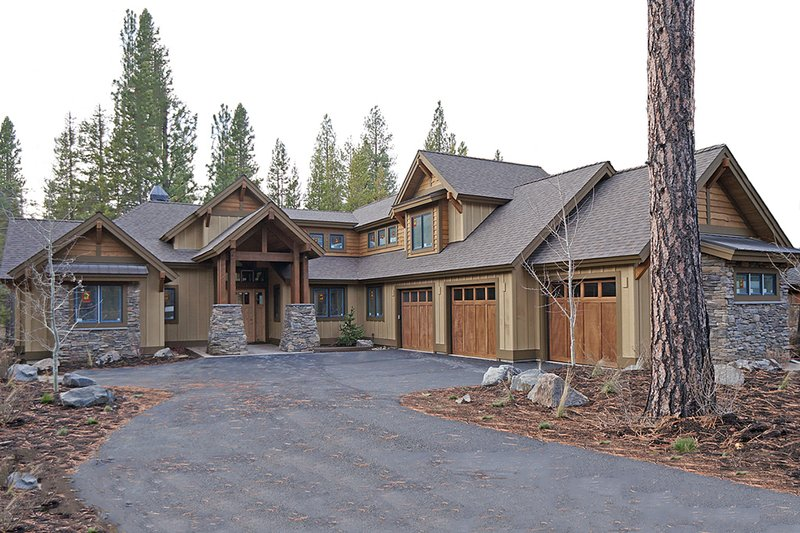 Home Plan - Craftsman style home, elevation
