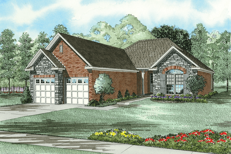Traditional Style House Plan - 2 Beds 2 Baths 1387 Sq/Ft Plan #17-188 Exterior - Front Elevation