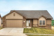 Ranch Style House Plan - 3 Beds 2.5 Baths 1426 Sq/Ft Plan #20-2290 Exterior - Front Elevation