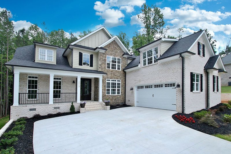 Country Style House Plan - 4 Beds 3 Baths 2419 Sq/Ft Plan #927-604