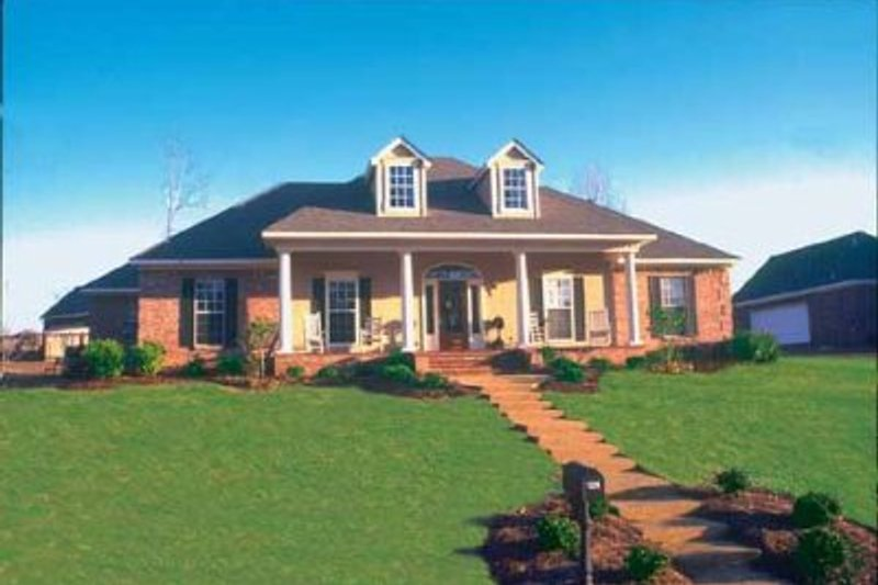 Southern Style House Plan - 4 Beds 2 Baths 1840 Sq/Ft Plan #36-332 Exterior - Front Elevation