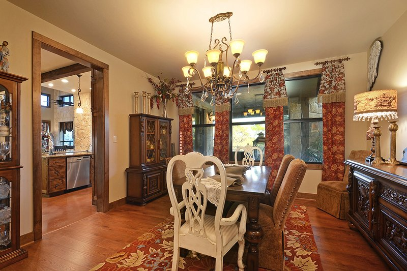Ranch Interior - Dining Room Plan #140-149 - Houseplans.com