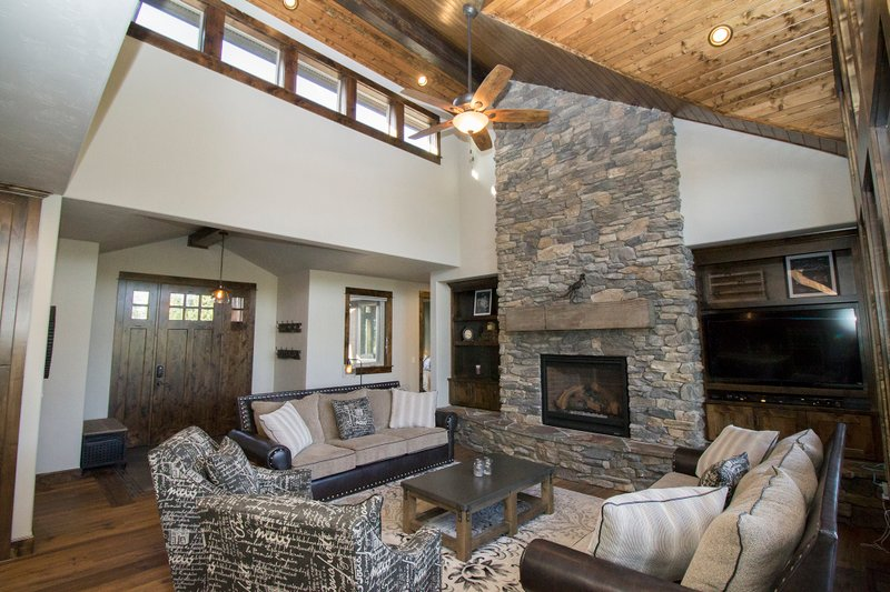 Craftsman Interior - Family Room Plan #892-11 - Houseplans.com