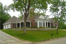Dream House Plan - Traditional Photo Plan #70-367