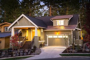 Craftsman Exterior - Front Elevation Plan #895-44