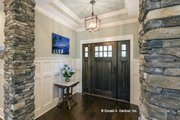 Craftsman Style House Plan - 4 Beds 3 Baths 2533 Sq/Ft Plan #929-24 Interior - Entry