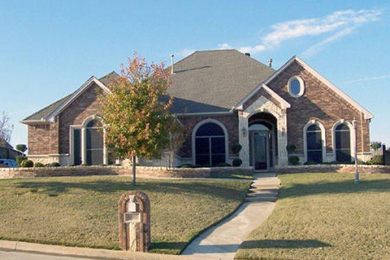 Architectural House Design - European Exterior - Front Elevation Plan #84-401