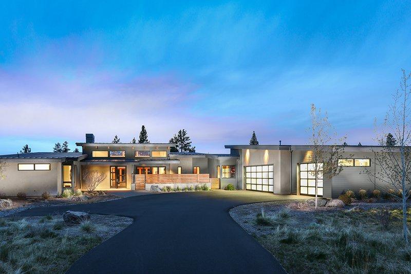 Architectural House Design - Modern Exterior - Front Elevation Plan #892-12