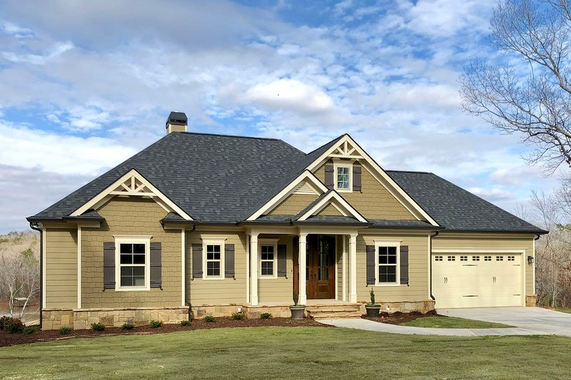Dream House Plan - Ranch Exterior - Front Elevation Plan #437-77