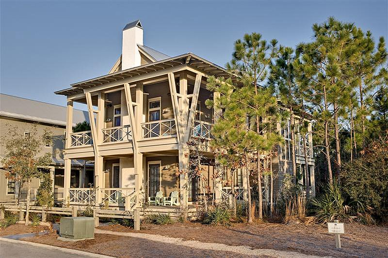 Beach Style House Plan - 4 Beds 4.5 Baths 2728 Sq/Ft Plan #443-13 Exterior - Front Elevation