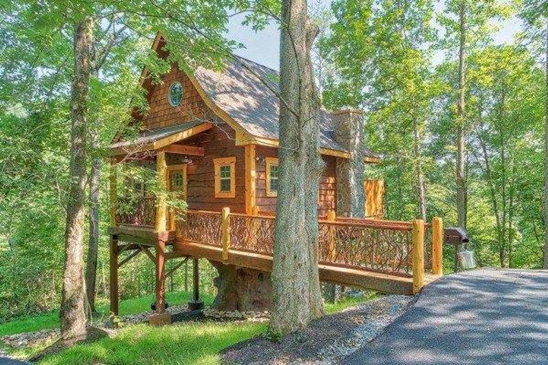House Plan Design - Cabin Exterior - Front Elevation Plan #123-115