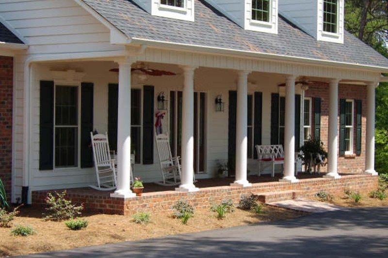 Southern Photo Plan #44-146 - Houseplans.com