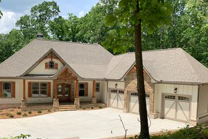 Craftsman Exterior - Front Elevation Plan #437-103