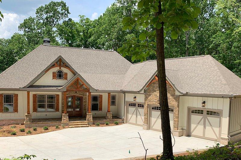 Craftsman Exterior - Front Elevation Plan #437-103
