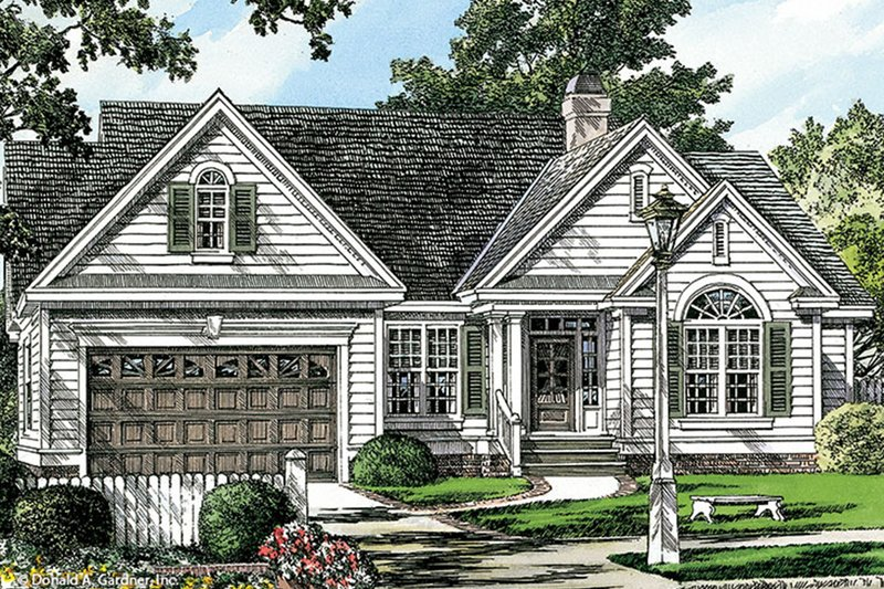 Traditional Exterior - Front Elevation Plan #929-57 - Houseplans.com