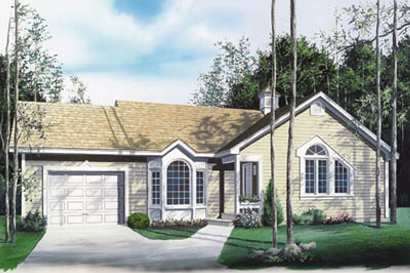 Traditional Exterior - Front Elevation Plan #23-121 - Houseplans.com