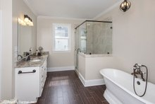 Craftsman Interior - Master Bathroom Plan #929-833