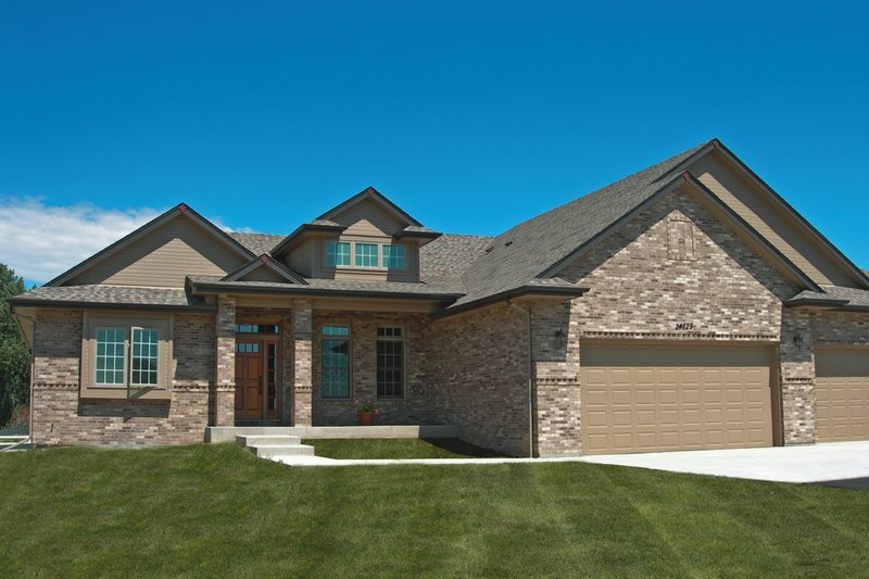 Dream House Plan - Traditional Exterior - Front Elevation Plan #20-2417