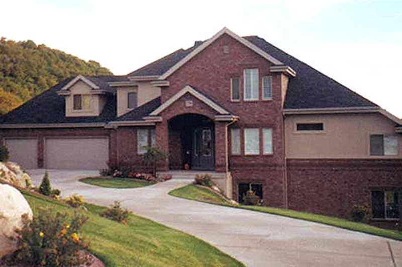 Dream House Plan - Traditional Exterior - Front Elevation Plan #5-225