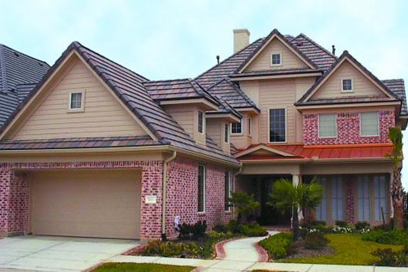 Traditional Exterior - Front Elevation Plan #61-230 - Houseplans.com