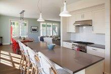Farmhouse Interior - Kitchen Plan #901-140