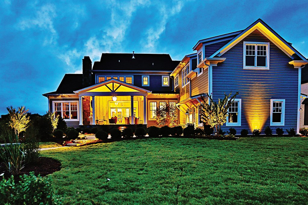 Craftsman Style House Plan - 4 Beds 5.5 Baths 3878 Sq/Ft ...