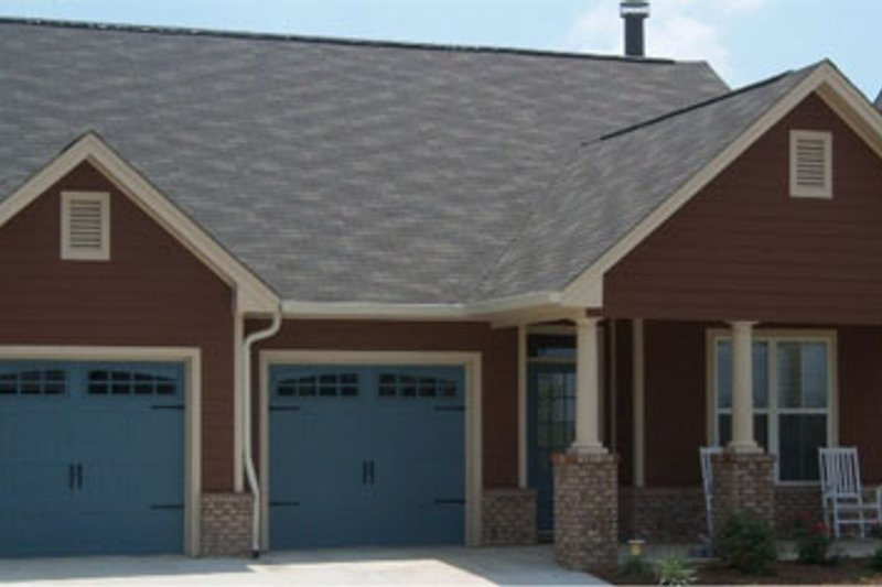 Bungalow Style House Plan - 2 Beds 2 Baths 1336 Sq/Ft Plan #63-236 Exterior - Front Elevation