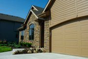 Traditional Style House Plan - 3 Beds 2.5 Baths 1763 Sq/Ft Plan #20-2123