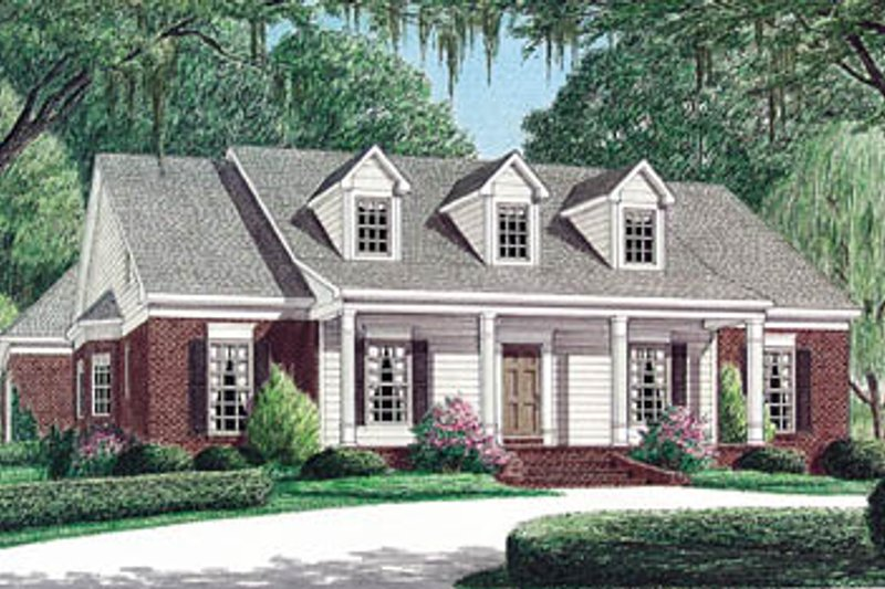 Southern Style House Plan - 3 Beds 2 Baths 2185 Sq/Ft Plan #34-126 Exterior - Front Elevation