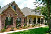 Colonial Style House Plan - 4 Beds 3.5 Baths 2500 Sq/Ft Plan #430-35 Exterior - Front Elevation
