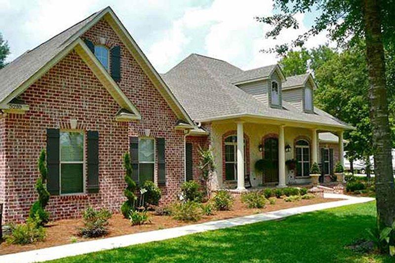 Colonial Exterior - Front Elevation Plan #430-35 - Houseplans.com