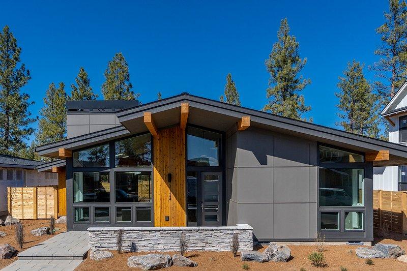 House Plan Design - Modern Exterior - Front Elevation Plan #895-127