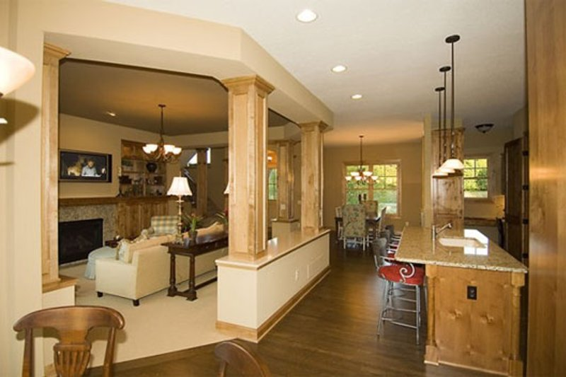 Craftsman Interior - Family Room Plan #56-597 - Houseplans.com