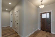 Craftsman Interior - Entry Plan #1070-53