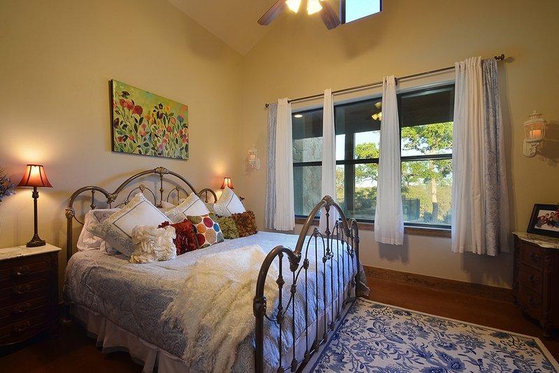 Ranch Interior - Bedroom Plan #140-149 - Houseplans.com