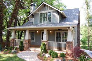 Craftsman Exterior - Front Elevation Plan #461-47