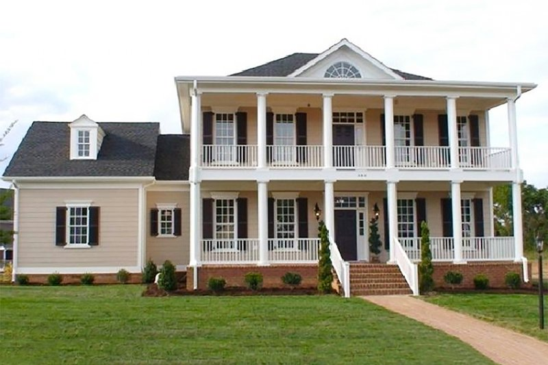 Southern Exterior - Front Elevation Plan #137-147 - Houseplans.com